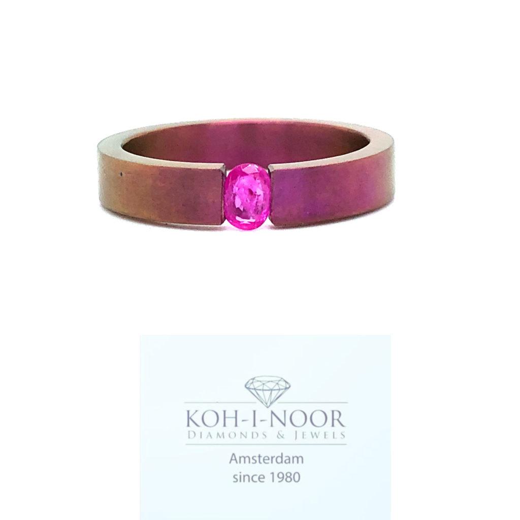 R9378-Titanium-Ring-Rose-Robijn-Ovaal-0.27crt